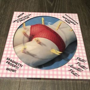 Seletti Toiletpaper collectible porcelain plate